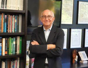 Prof Yiannikas